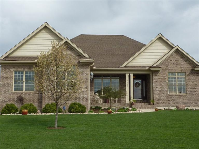 1010 Rosewood Creek Troy, OH