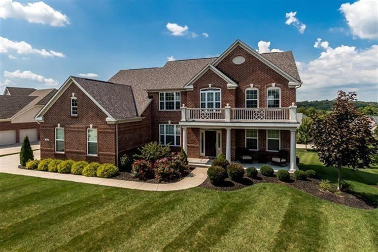 1513 Bloomin Spring Ct Hebron, KY