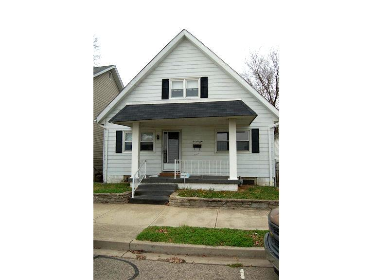 real estate photo 1 for 508 Elm St Lawrenceburg, IN 47025