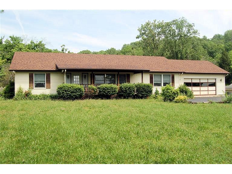 real estate photo 1 for 724 Oberting Rd Greendale, IN 47025