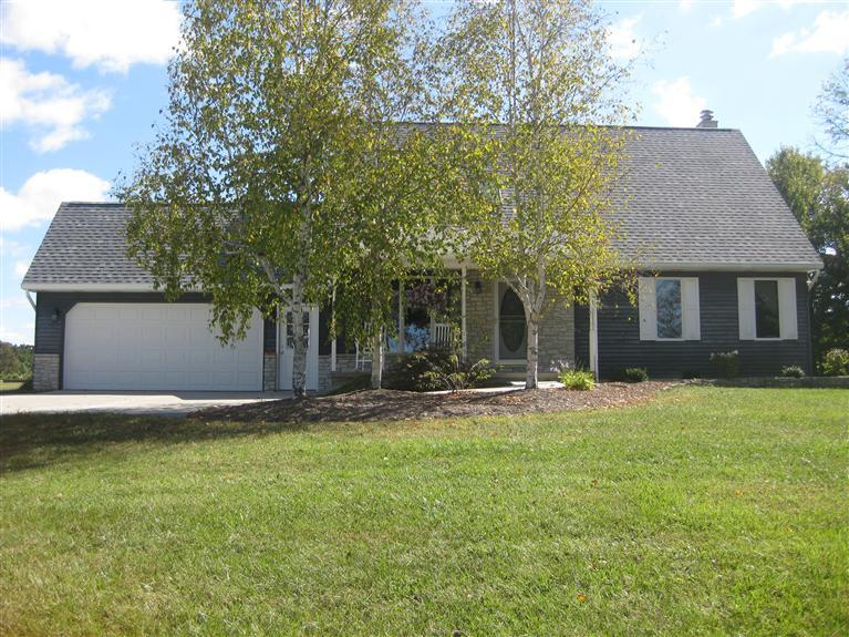real estate photo 1 for 8924 St Rt 62 Dillsboro, IN 47018