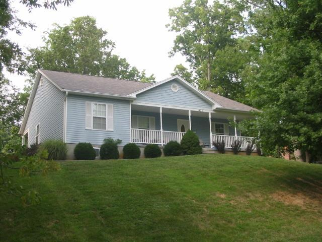 real estate photo 1 for 1492 Sandamont Dr Hidden Valley, IN 47025