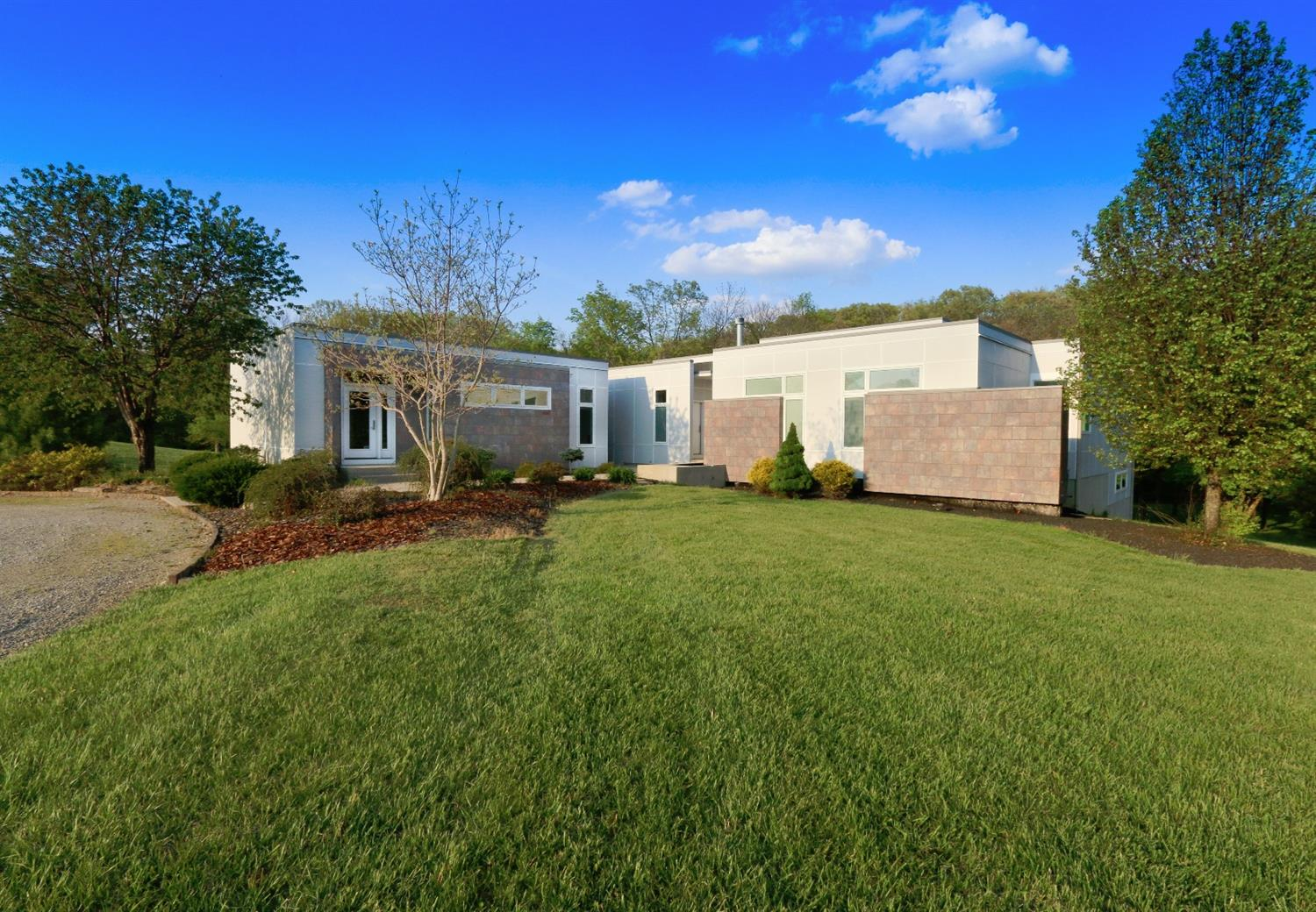2092 S St Rt 123 Turtle Creek Twp., OH