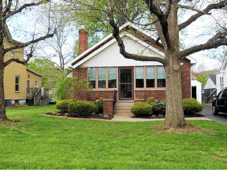 real estate photo 1 for 579 Nowlin Ave Greendale, IN 47025