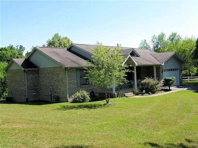 real estate photo 1 for 21600 Greenwood Dr Lawrenceburg, IN 47025
