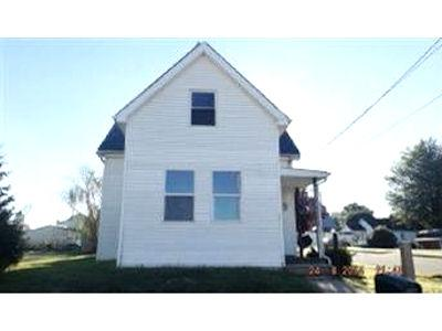 real estate photo 1 for 119 S High St Versailles, IN 47042