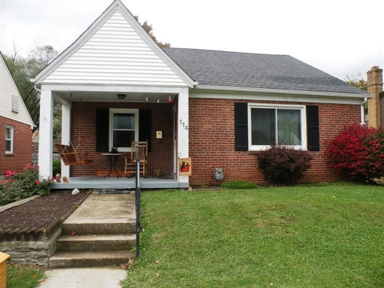 real estate photo 1 for 114 Tebbs Ave Lawrenceburg, IN 47025