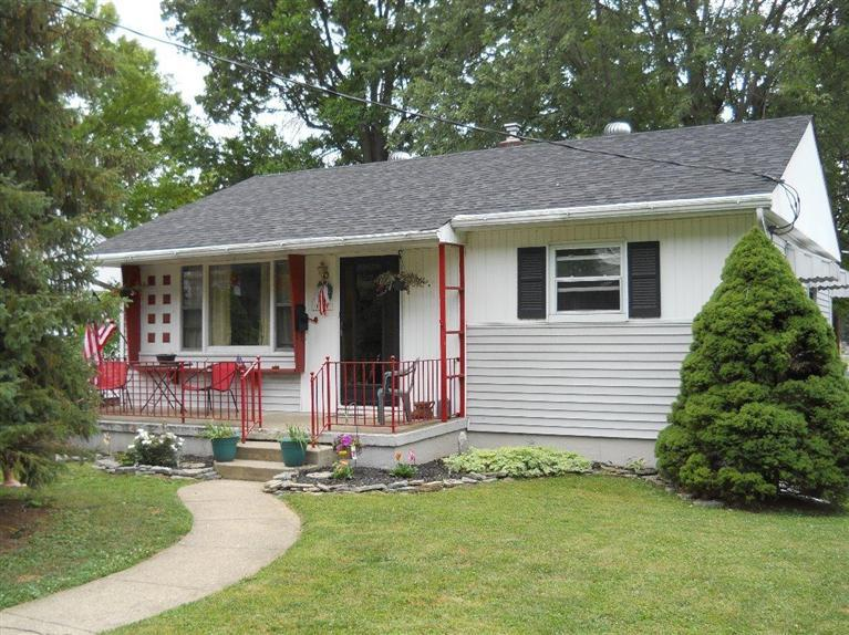 real estate photo 1 for 121 Parkside Ave Greendale, IN 47025