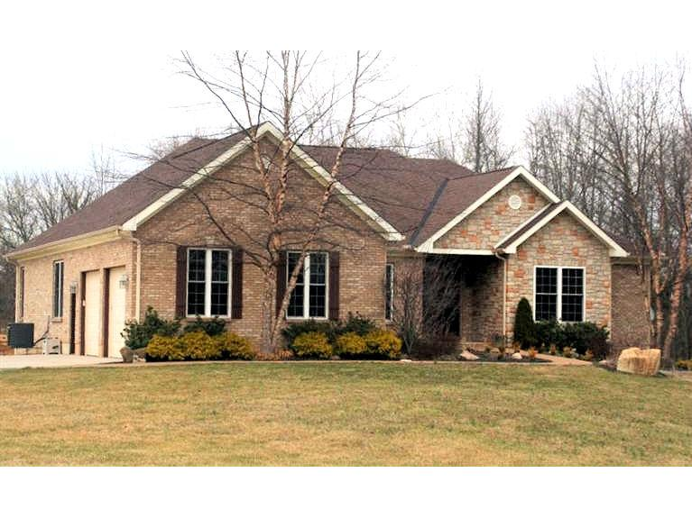 real estate photo 1 for 28586 Maune Rd St. Leon, IN 47012