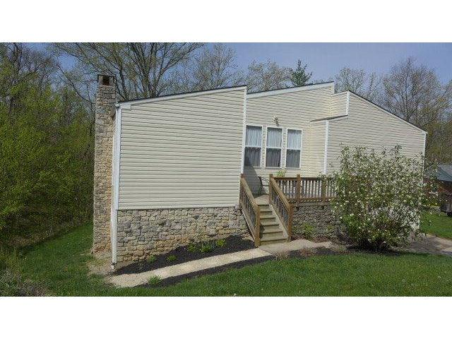 real estate photo 1 for 1121 Thornhill Ln Hidden Valley, IN 47025