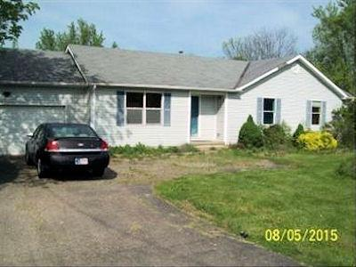 real estate photo 1 for 16578 St Rt 148 Aurora, IN 47001