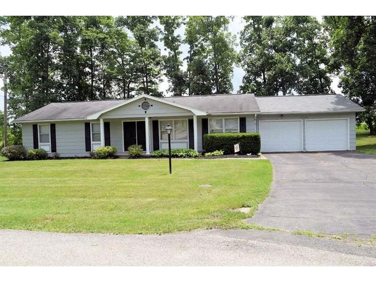 real estate photo 1 for 10320 Twin Oaks Dr Dillsboro, IN 47018