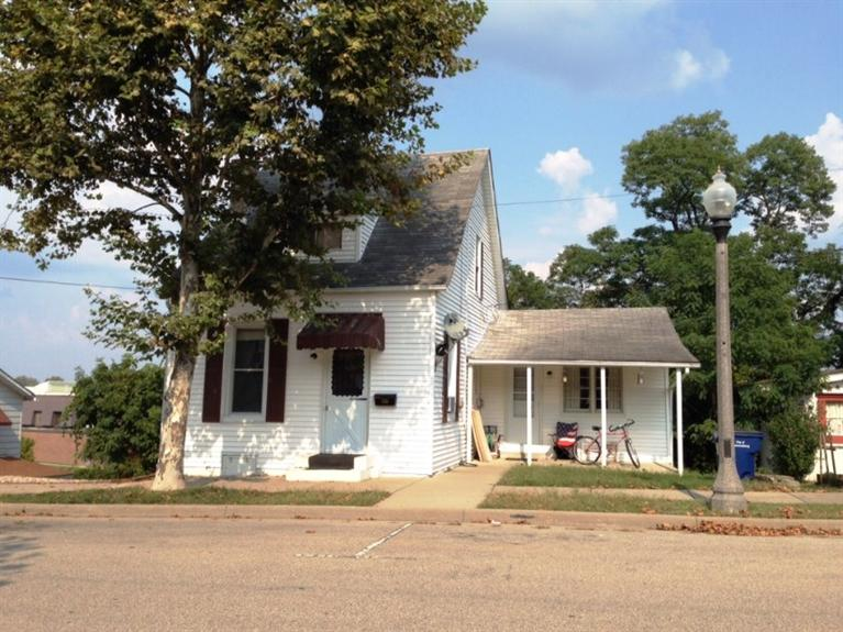 real estate photo 1 for 546 Front St Lawrenceburg, IN 47025