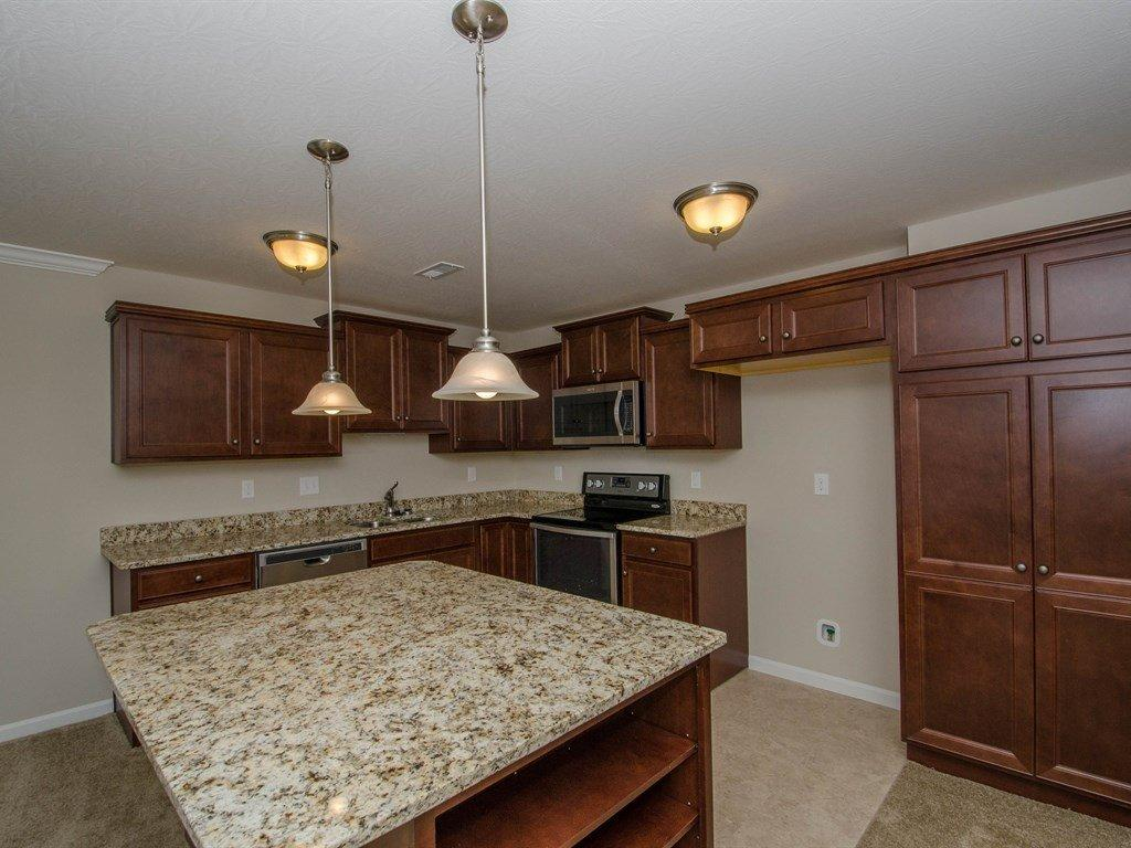 real estate photo 1 for 208 Westwind Ln, 12202 Lawrenceburg, IN 47025