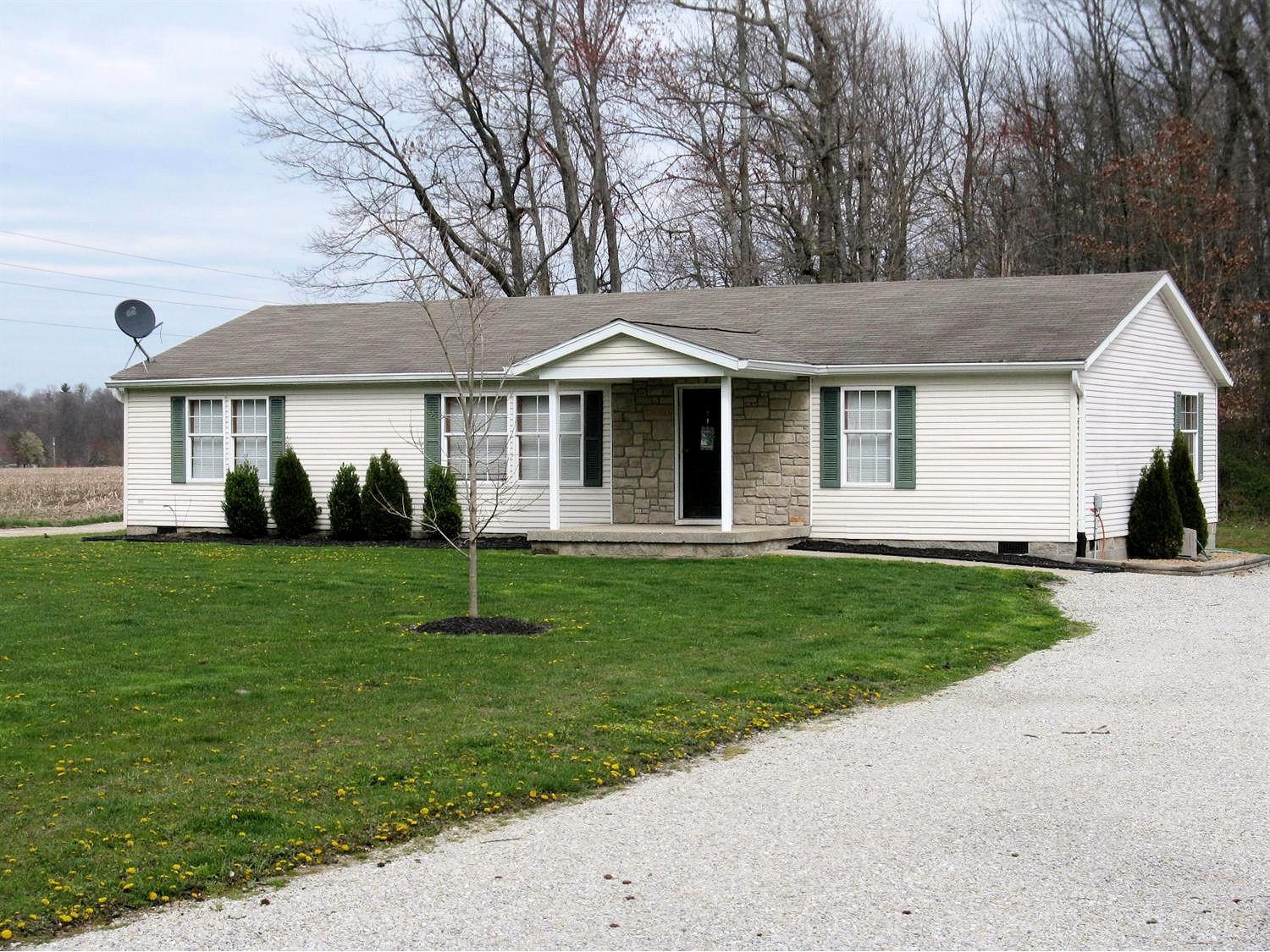 real estate photo 1 for 25720 W County Line Rd Jackson Twp, IN 47041