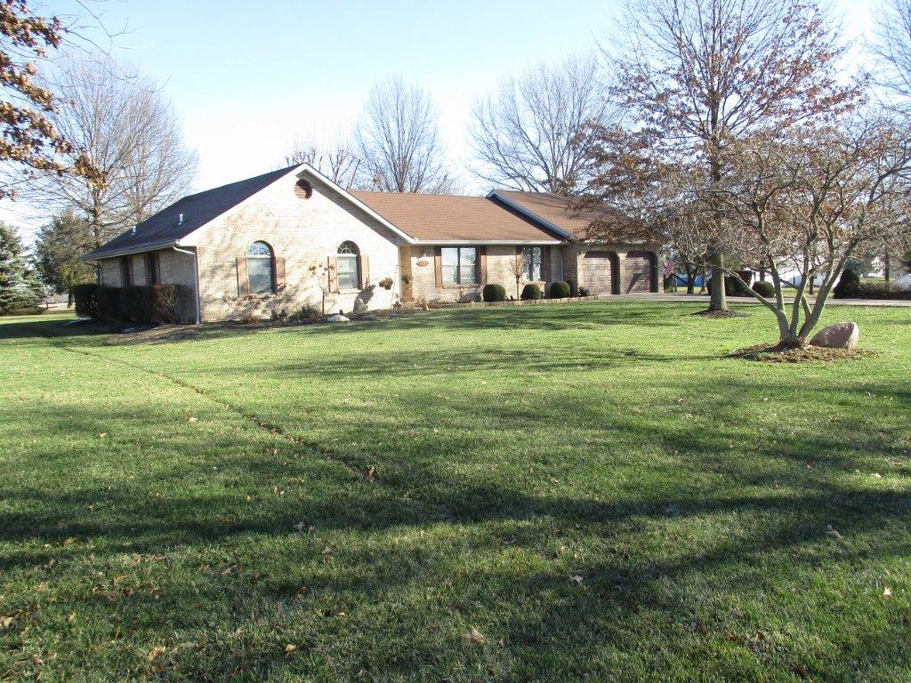 real estate photo 1 for 7406 Yorkridge Rd York Twp, IN 47022