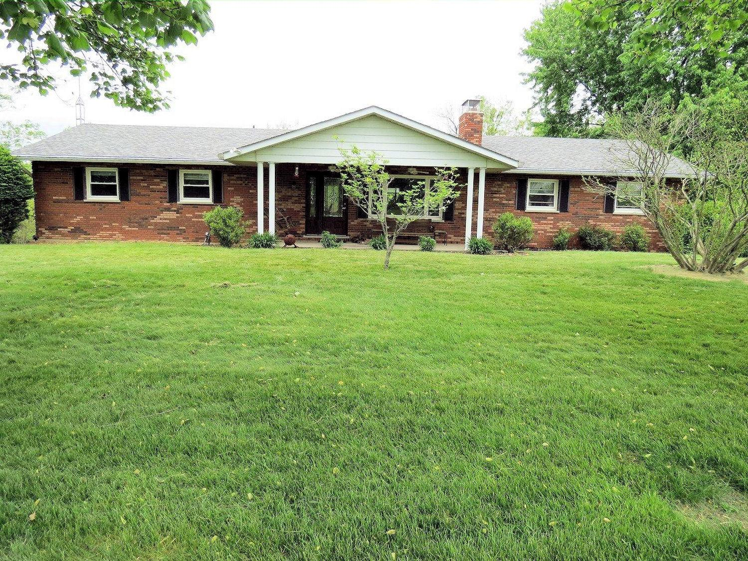 real estate photo 1 for 12875 Hon Rd Dillsboro, IN 47032