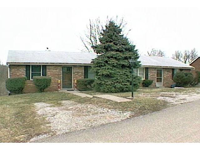 real estate photo 1 for 110 Sunset Dr Aurora, IN 47001