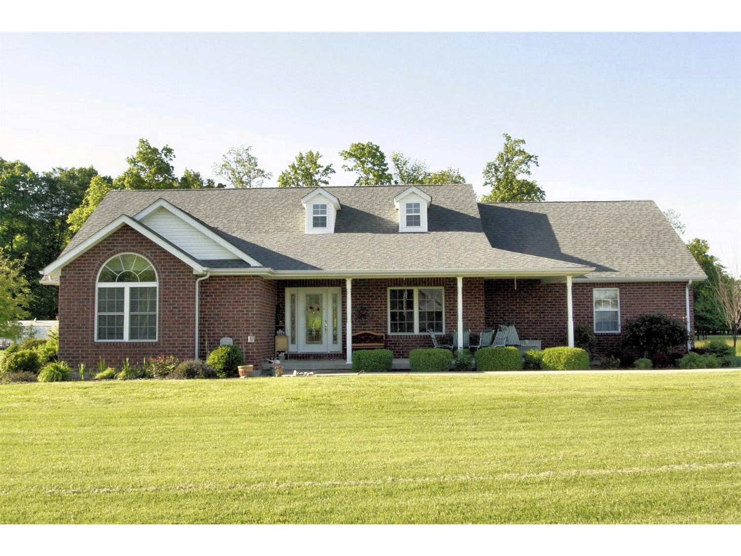 real estate photo 1 for 16363 McGuire Ridge Rd Brookville, IN 47024