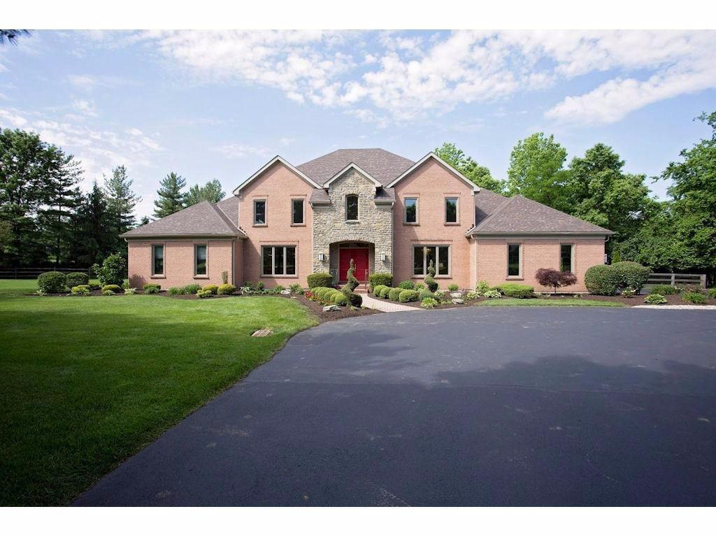 5085 Rollman Estates Dr Amberley, OH