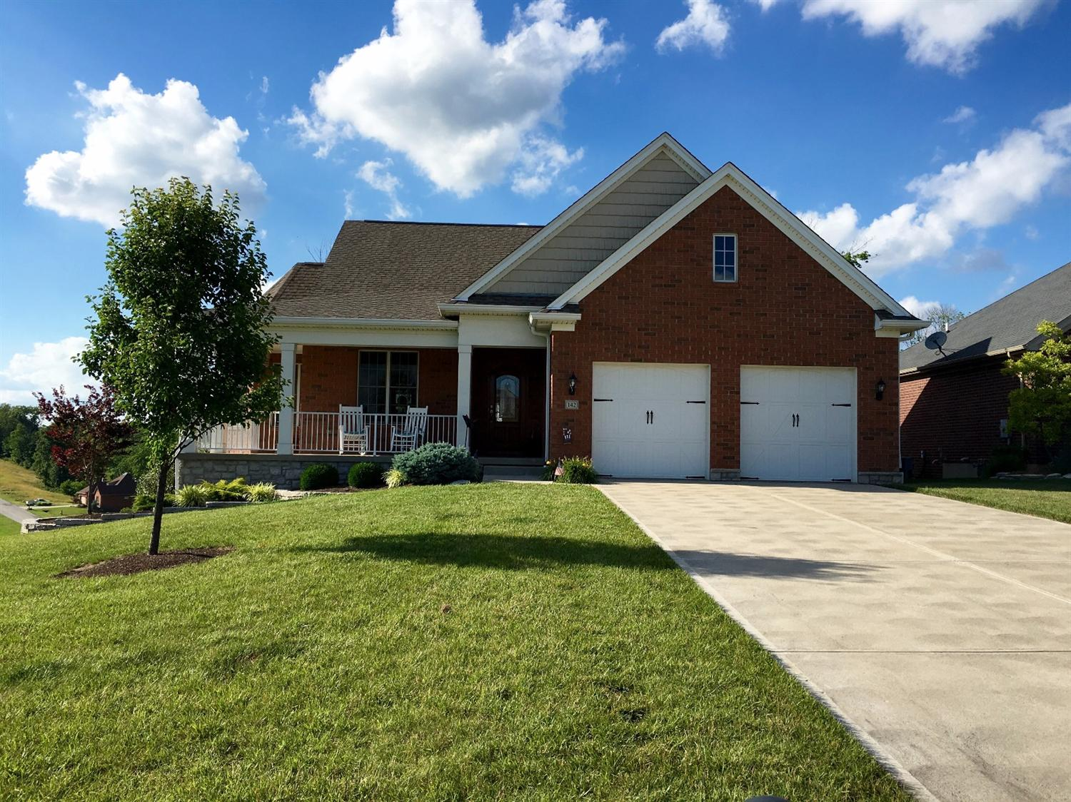 real estate photo 1 for 142 Oakmont Ct Lawrenceburg, IN 47025