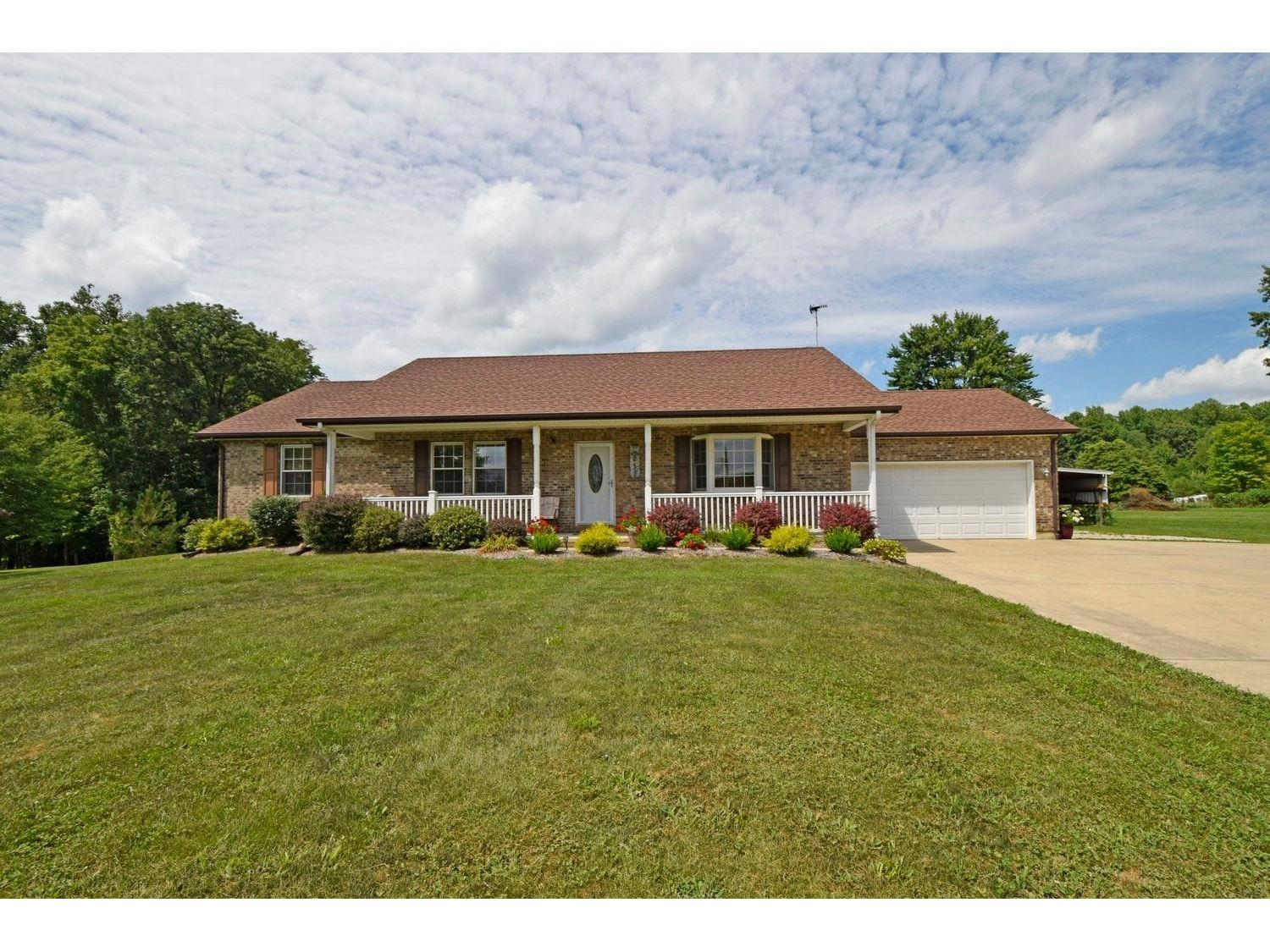 real estate photo 1 for 16397 McGuire Ridge Rd Brookville, IN 47024
