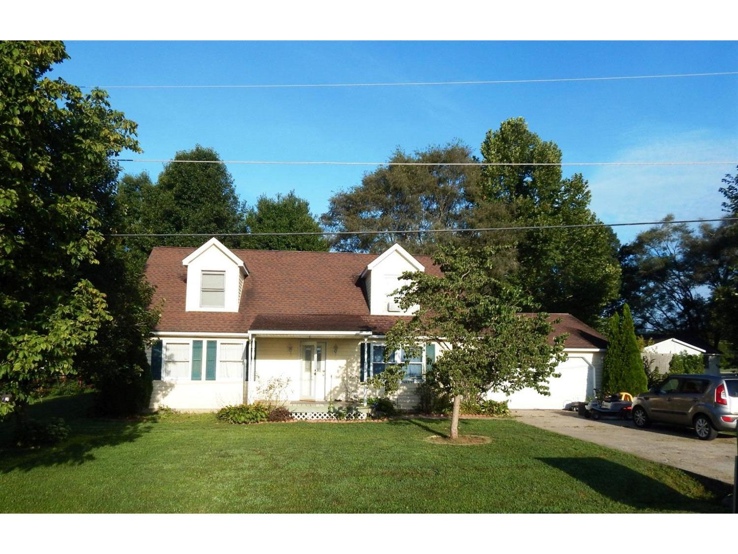 real estate photo 1 for 949 North St Rising Sun, IN 47040
