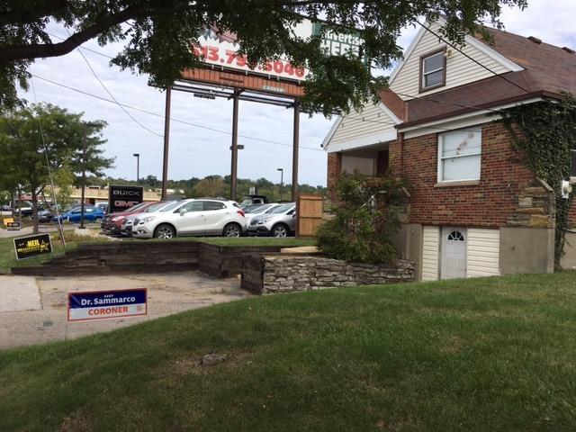 Photo 2 for 5280 Ridge Ave Columbia Twp., OH 45213