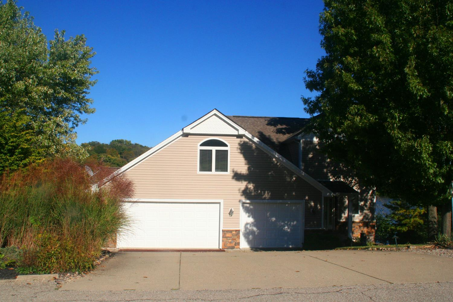 1358 Cliftmont Cir Hidden Valley, IN