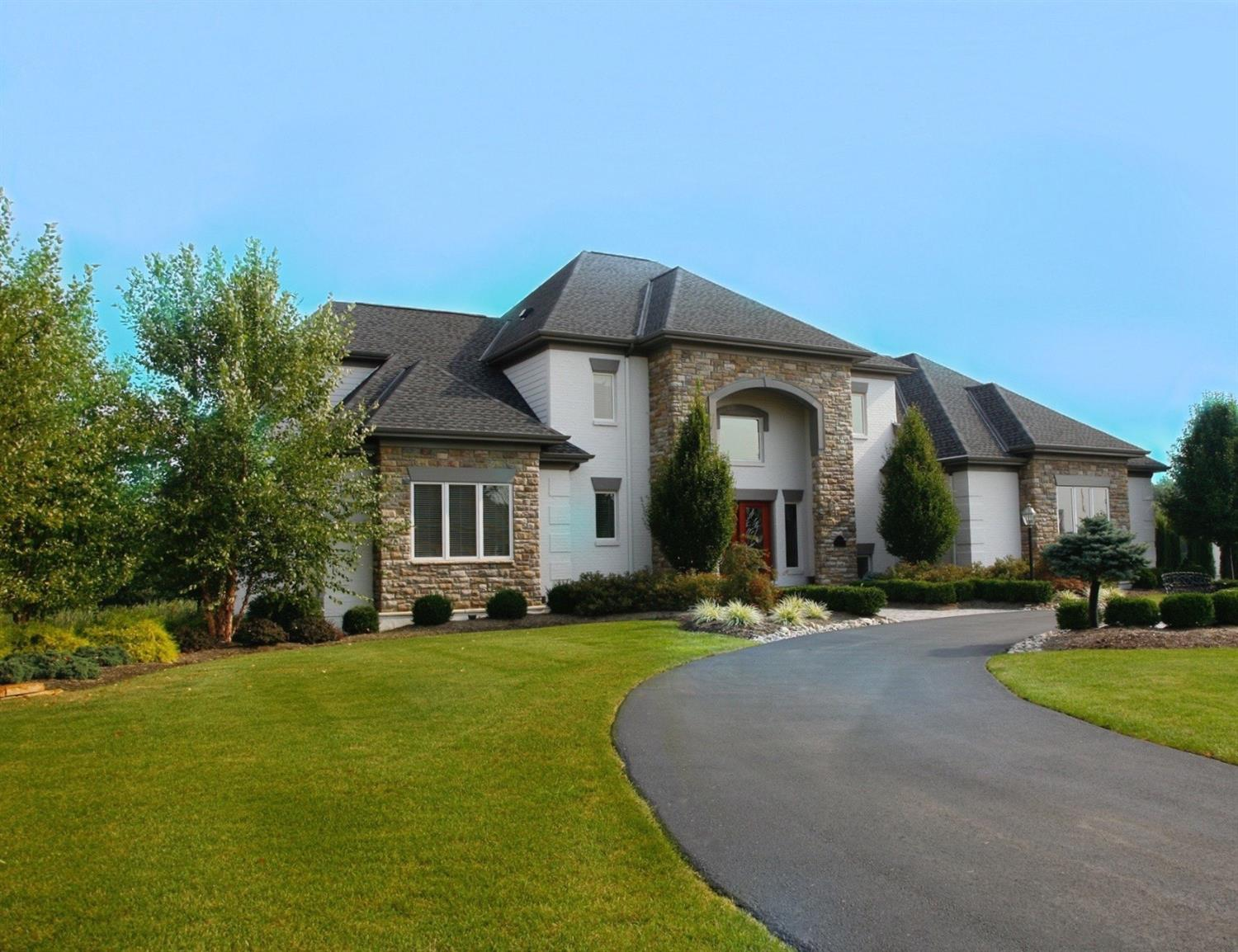 3295 Legacy Trace Amberley, OH