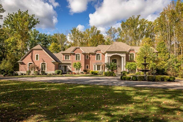 8925 Whisperinghill Dr Indian Hill, OH