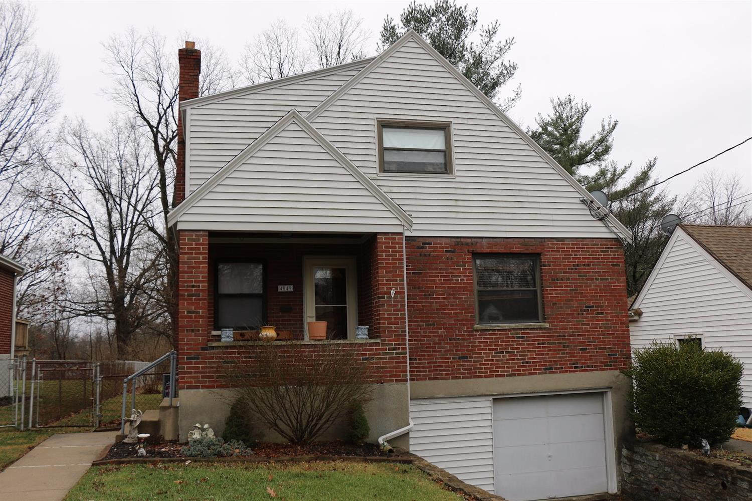 4049 Homelawn Ave Cheviot, OH