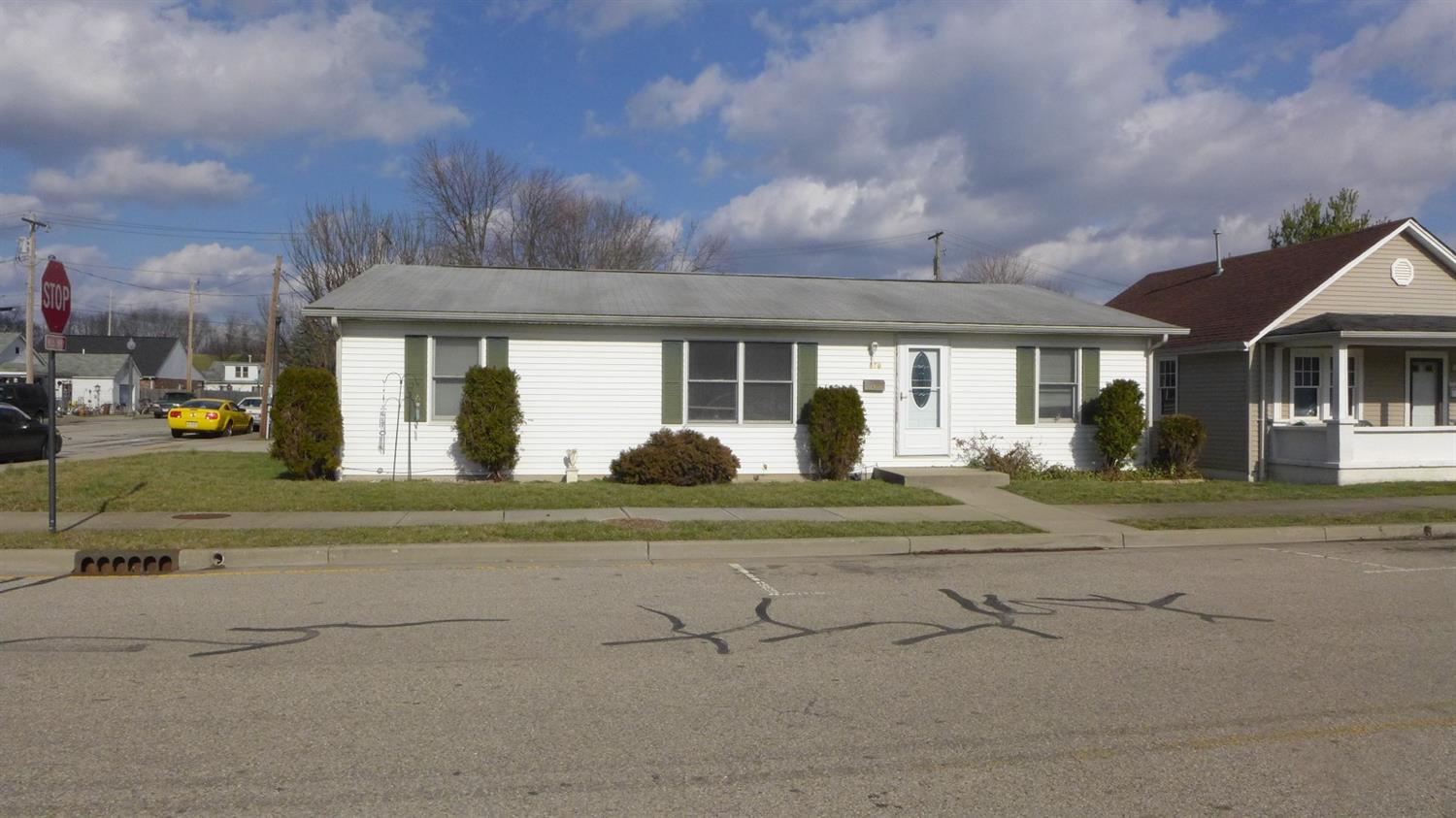 real estate photo 1 for 470 George St Lawrenceburg, IN 47025