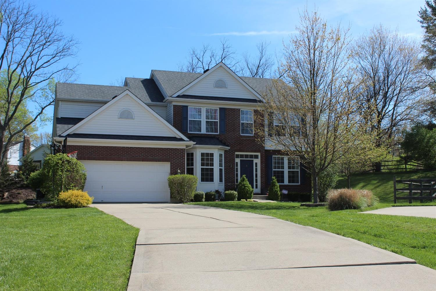 5997 Brierly Ridge Dr Monfort Hts., OH