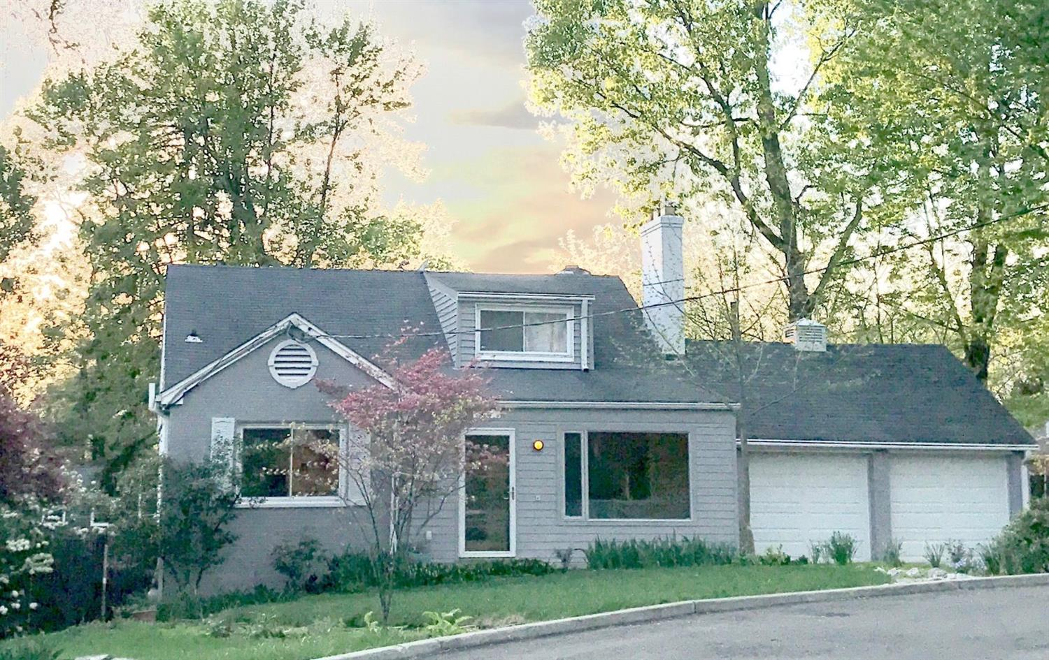 4046 Lytle Woods Pl Mariemont, OH