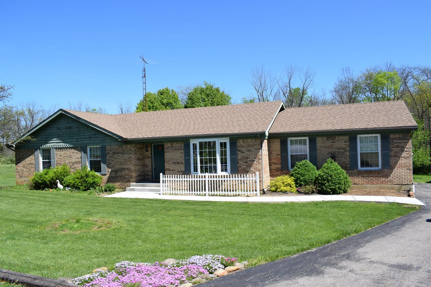 51 Osage Ct Chester Twp, OH