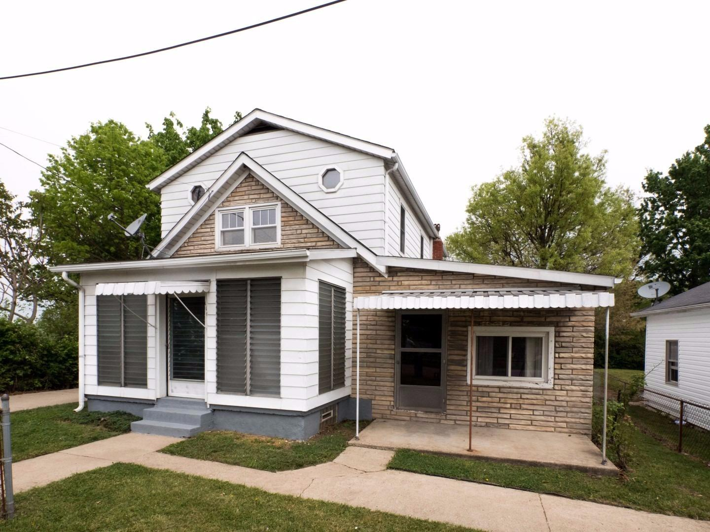 real estate photo 1 for 110 114 Woodrow St St. Clair Twp., OH 45013
