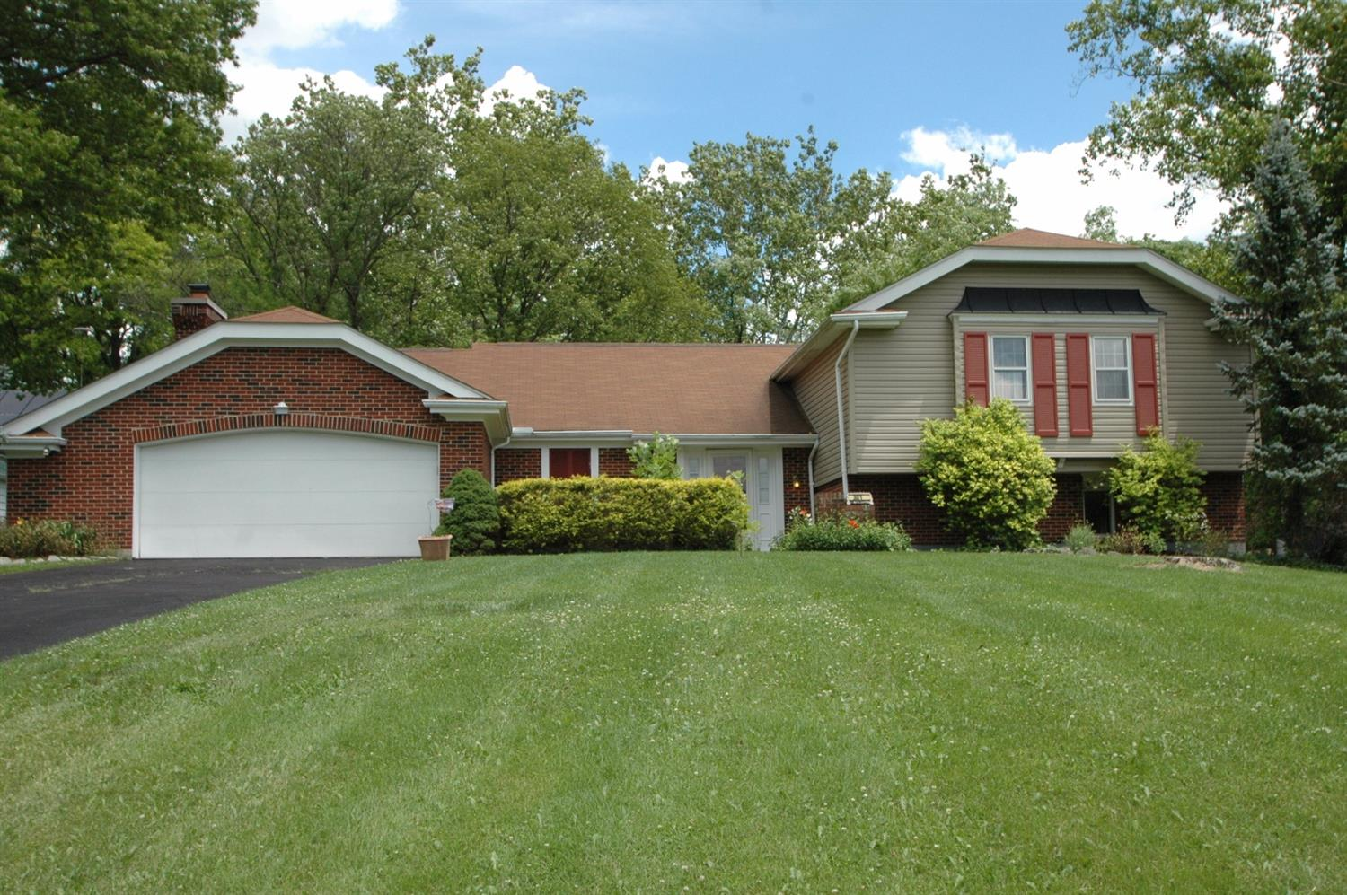301 Milton Ct Middletown North, OH