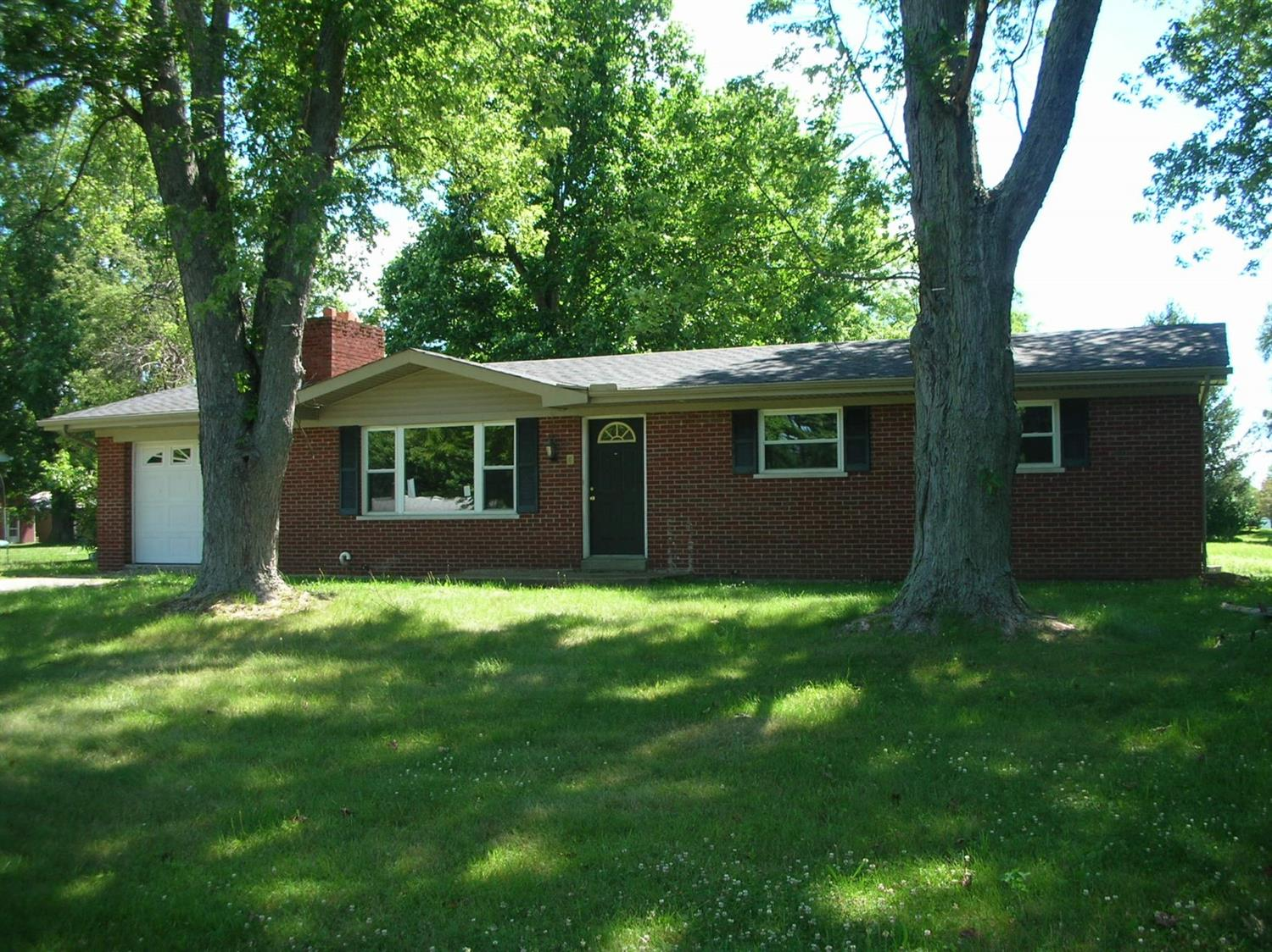 real estate photo 1 for 17678 Loretta St Lawrenceburg, IN 47025