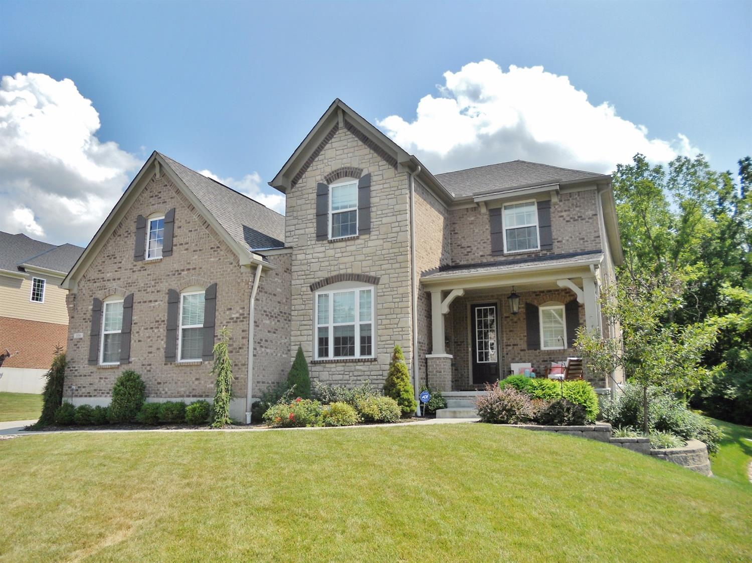 106 Colonial Dr Loveland, OH 45140