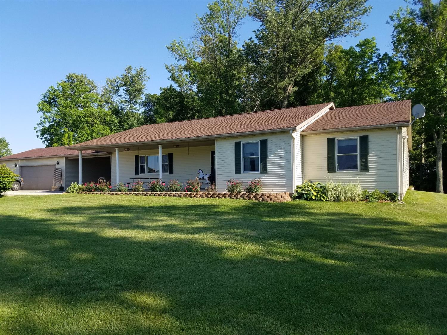 real estate photo 1 for 11389 S Co Rd 700 W Westport, IN 47283