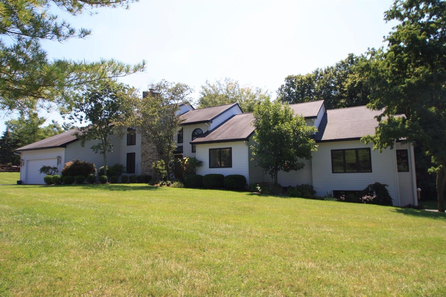 3441 Carpenters Creek Dr Evendale, OH