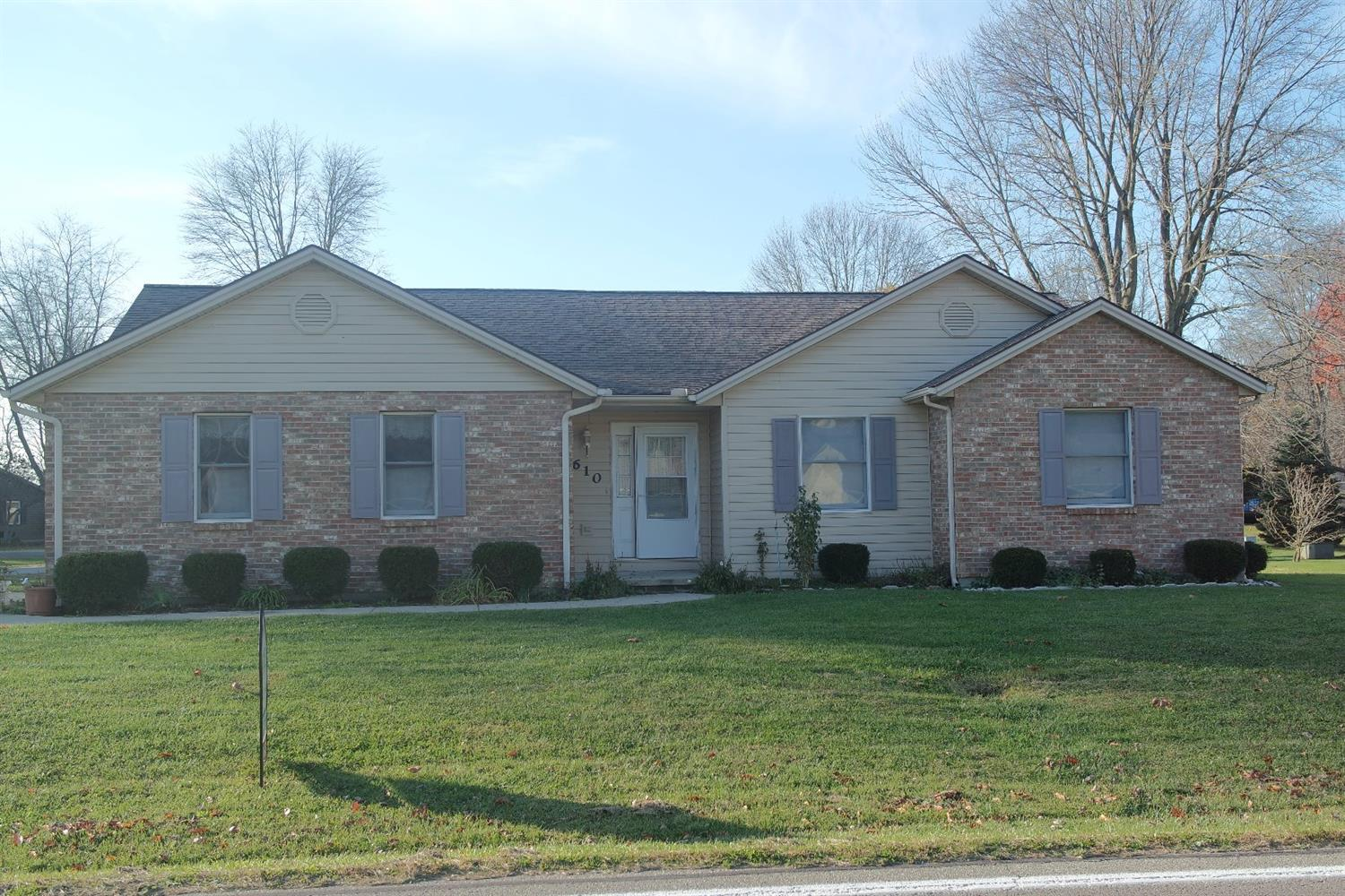 610 Bourbon St Blanchester, OH