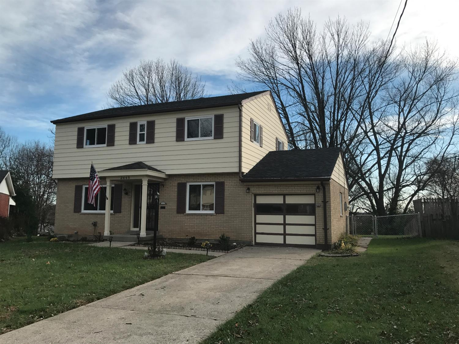 2445 Grosvenor Dr Colerain Twp.East, OH