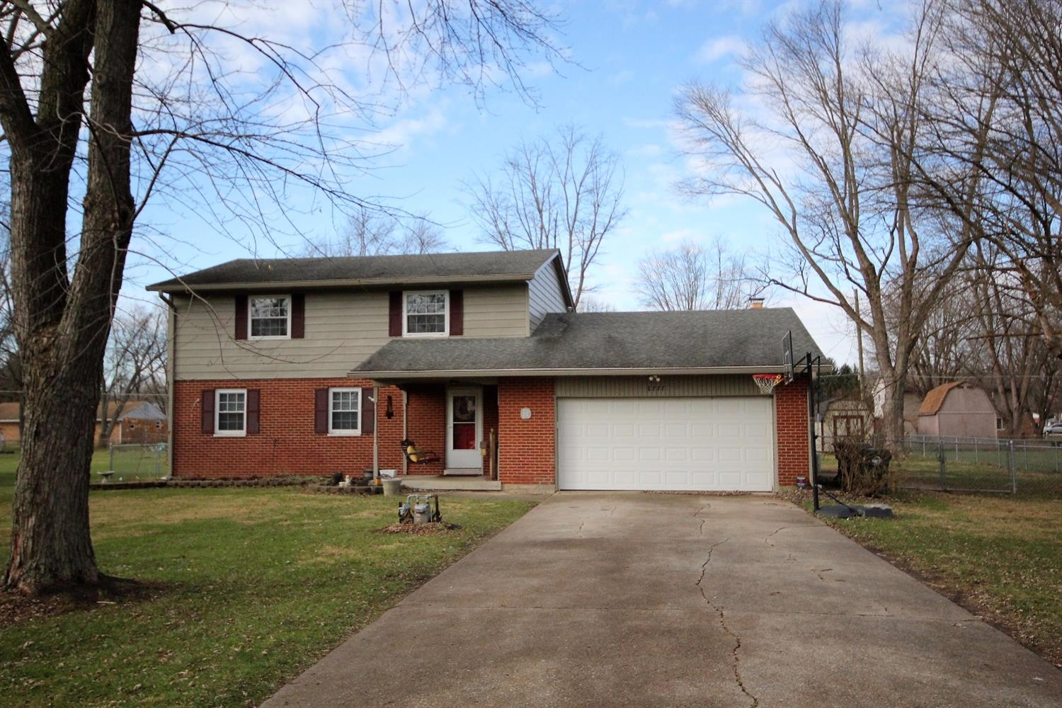 8777 Meadowlark Dr Franklin, OH