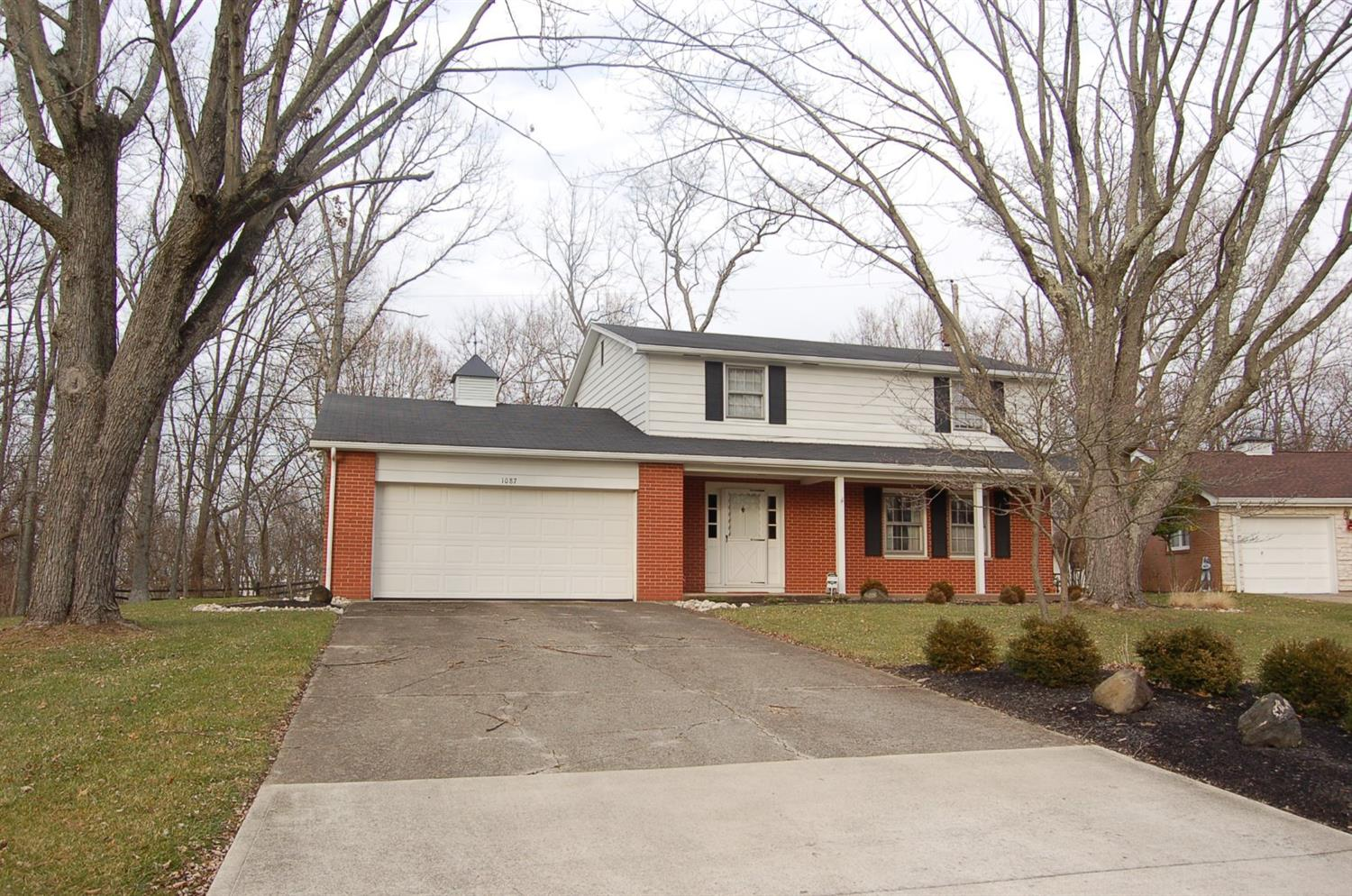 real estate photo 1 for 1087 Warren Dr Wilmington, OH 45177