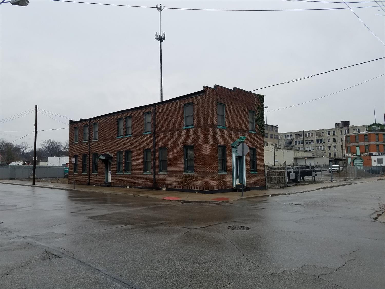 1670 Cooper St Northside, OH