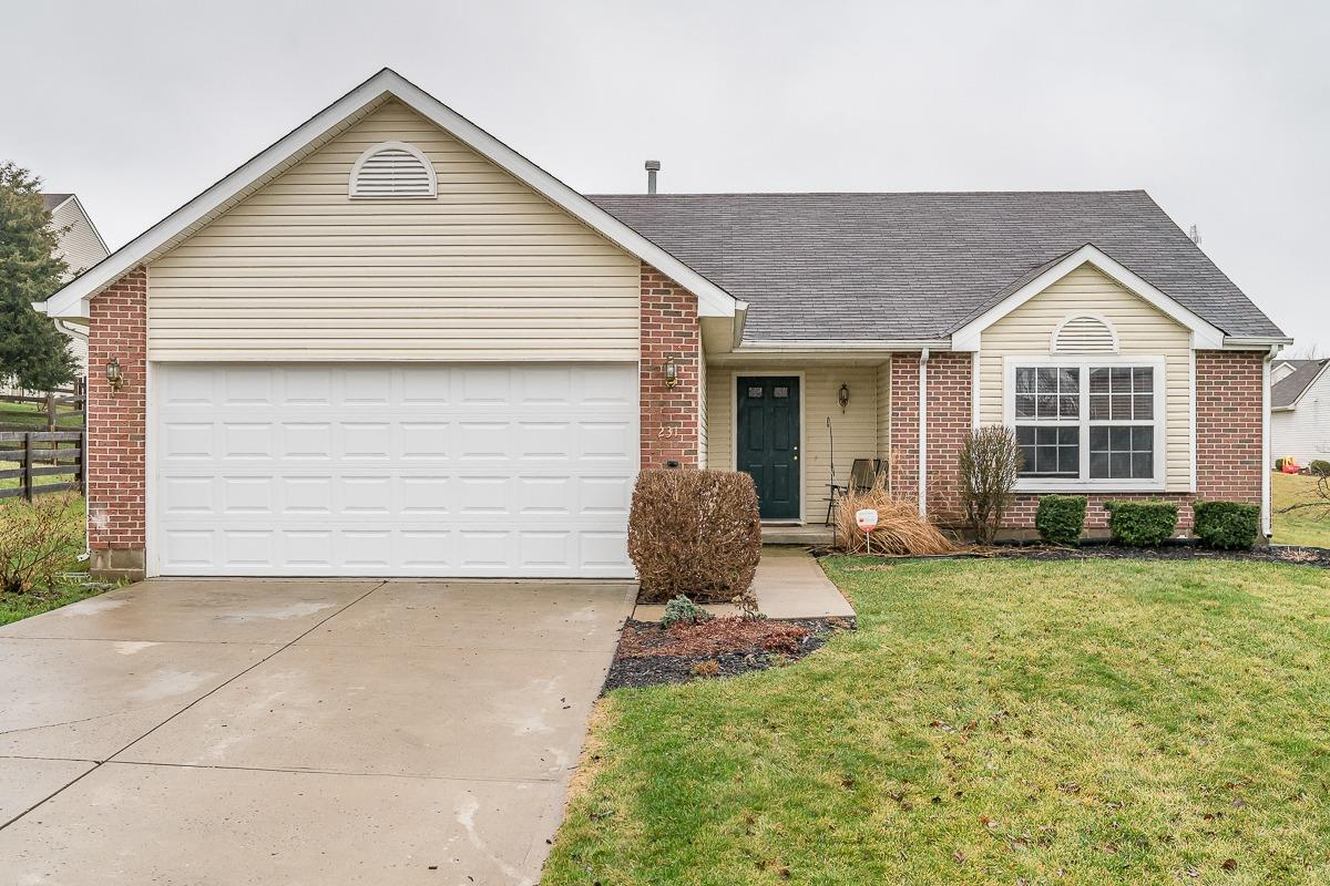 231 Lakeview Dr Franklin, OH