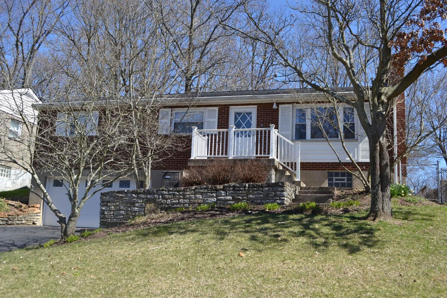 7254 Longfield Dr Madeira, OH
