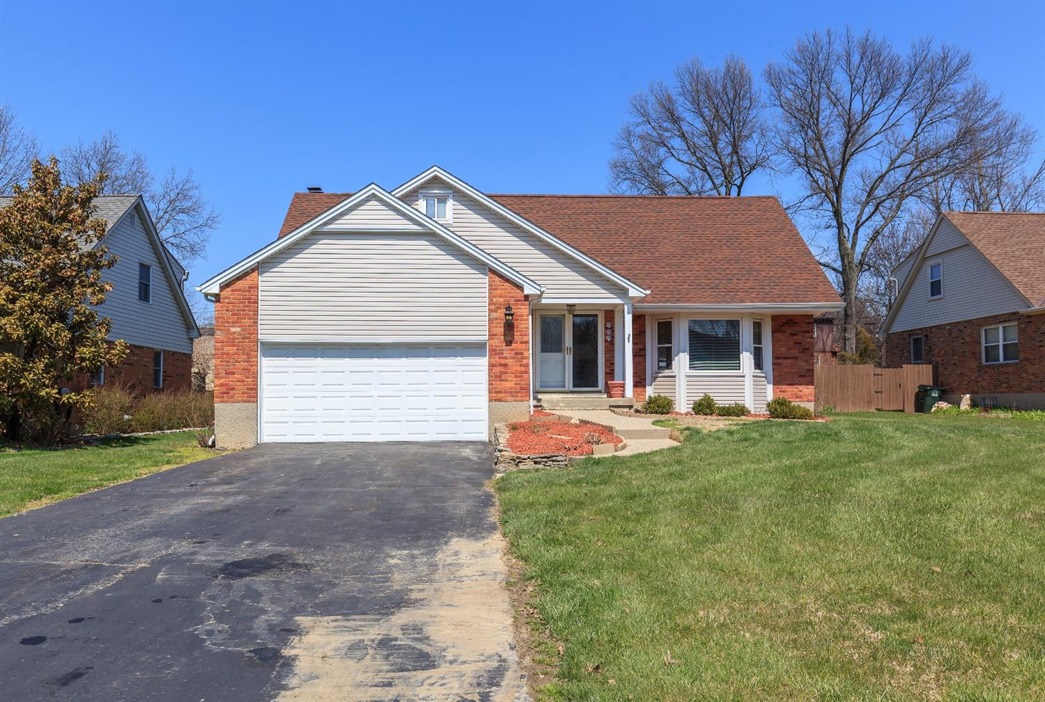 982 Springbrook Dr Finneytown, OH